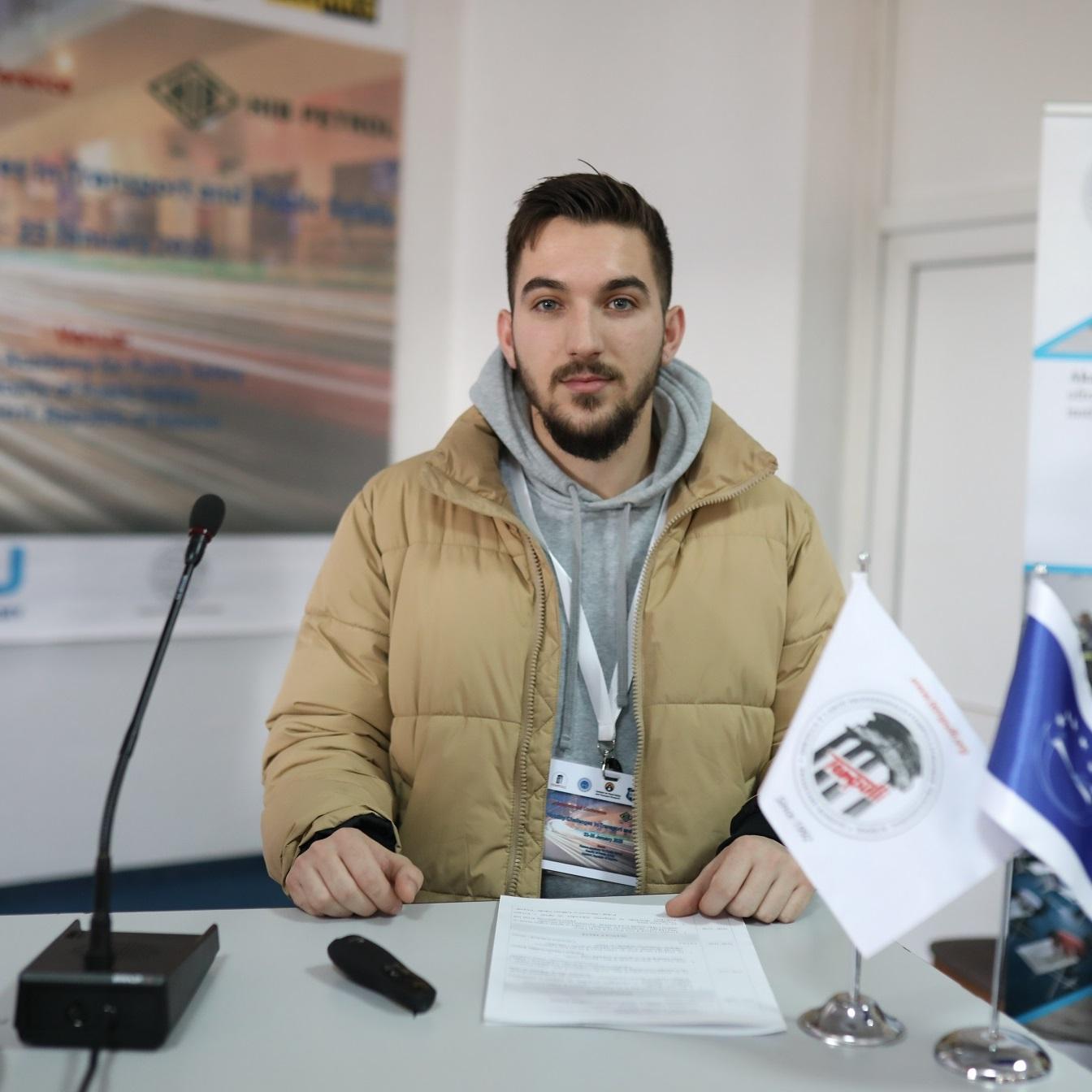 Adonis Ahmeti
